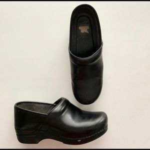 DANSKO XP black clogs size 38